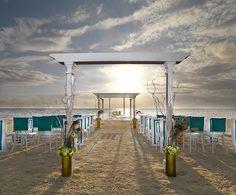 What a gorgeous beach wedding set-up!
