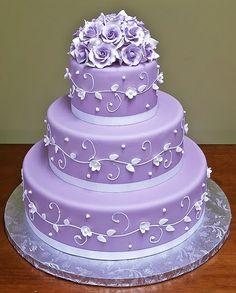 Purple Cakes, Purple Wedding Cakes, Beautiful Wedding Cakes, Gorgeous Cakes, Pretty Cakes, Amazing Cakes, Cake Wedding, Wedding Bands, Decoration Patisserie