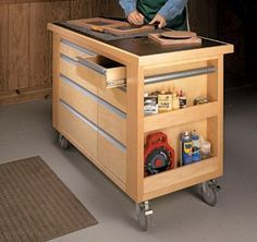 up with the Trends: 5 Timber DIY Trolleys & Carts Time to add a Tool cart to your workshop! And the most cost effective way is by building one~Time to add a Tool cart to your workshop! And the most cost effective way is by building one~ Woodworking Bench Plans, Workbench Plans, Woodworking Workshop, Woodworking Shop, Woodworking Projects, Workshop Storage, Tool Storage, Garage Storage, Storage Ideas
