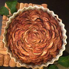 Kuva - Kummitädin maailman helpoin omenapiirakka (uunipannullinen) Pie Dish, Dishes, Desserts, Food, Tailgate Desserts, Deserts, Tablewares, Essen, Postres