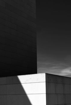 foto: Eduardo Seco Photography Lessons, People Photography, Minimal Photography, White Photography, Kafka On The Shore, Concrete Structure, Space Architecture, Shades Of White, White Aesthetic