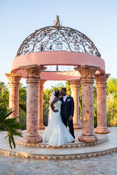 Real Weddings {Bahamas}: Britt & Keith! - Blackbride.com