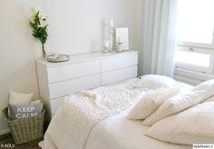 Makuuhuone - Sisustuskuvia jäseneltä ADLVhenriikka - StyleRoom Dresser As Nightstand, Floating Nightstand, Dream Bedroom, Home Organization, Sweet Home, Bedroom Inspiration, Interior, Table, House