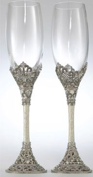 champagne glasses for bride and groom to make theirs a bit different
