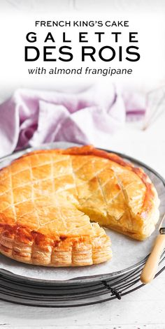 Celebrate the Epiphany with this classic Galette des Rois with Frangipane. Whoever find the fève inside is crowned King . Best Dessert Recipes, Cupcake Recipes, Brunch Recipes, Fun Desserts, Baking Recipes, Delicious Desserts, Breakfast Recipes, Dinner Recipes, French Desserts