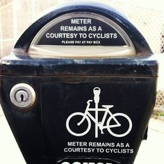 Bicycle infrastructure doesn't need to be expensive. Thanks #Chicago :)