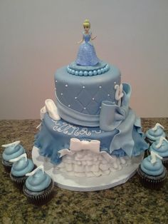 Cinderella Cake lol loved Cinderella as a little girl she was my favorite princess Mais Decors Pate A Sucre, Cinderella Birthday, Cinderella Cakes, Cinderella Theme, Cinderella Princess, Princess Birthday, Cake Name, Birthday Cake Girls, Birthday Cakes