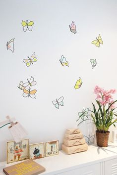 Stickers Papillons Aquarelle - Préparez vos filets, c'est l'heure de partir à la chasse aux papillons avec cette très belle et poétique série aux couleurs douces et variées et dessinées comme des aquarelles.