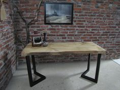 Rustiikkinen tammipöytä yhdestä lankusta, metallijalat. Rustic table with broad and thick oak plank and metal legs. Dining Bench, Rustic, Table, Furniture, Home Decor, Country Primitive, Decoration Home, Table Bench, Room Decor