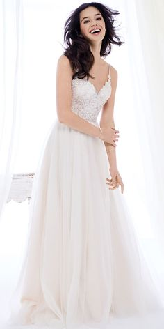 Ella Rosa BE400 | glamorous lace bodice | with simple tulle full skirt | sweetheart neckline | spaghetti straps | romantic wedding gown #weddinggown #weddingdress
