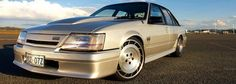 vk commodore Australian Muscle Cars, Aussie Muscle Cars, Custom Muscle Cars, Custom Cars, Holden Commodore, Gm Car, Luxury Suv, Silver Lining, My Ride