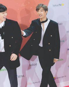 "Via @weareoneofficial_ig) on Instagram: ""171202 [NEWSPIC] EXO at 2017 Melon Music Awards Cr. topstarnews ° ° ––––––––––––––– ° ° #KOKOBOP…"""
