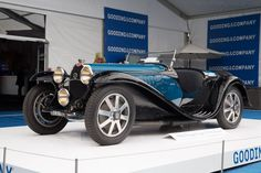 1931 - 1935 Bugatti Type 55 Roadster: gallery, full history and specifications Bugatti Cars, Bugatti Veyron, Vintage Cars, Antique Cars, Unique Vintage, Car In The World, Car Insurance, Old Cars, Gq
