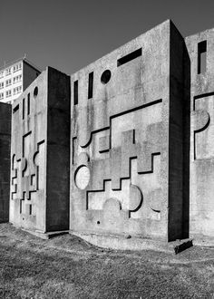 Sculptural Wall, Huyton, Liverpool, Antony Hollaway, 1968 Photo: Simon Phipps Features in British Post War Public Art at Margaret Howell until Liverpool History, Liverpool Home, University Architecture, Architecture Old, Environmental Graphics, Brutalist, The Guardian, Public Art, Cool Artwork