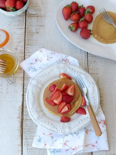 Healthy Pancakes - oats, spelt and quinoa flour - with strawberries and honey