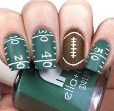 It's game day! 🏈 Who are we kidding, who's playing? ☺️ Sound off below if you'll be watching the game or busy eating some guac and chips… Football Nail Designs, Football Nail Art, Sports Nail Art, Msu Football, Football Wedding, Get Nails, Fancy Nails, Hair And Nails, School Nail Art