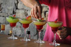 Happy Hour ! Greek Recipes, A Boutique, Happy Hour, Vegetarian, Lunch, Restaurant, Fresh, Dinner, Breakfast