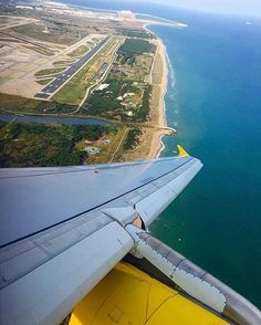 Comparateur de voyages http://www.hotels-live.com : Un viaje de miles de kilómetros debe comenzar por un solo paso. Lao-Tsé  by @flag_stop - Thank you!  #barcelona #departure #vueling #skyline #sea #plane #airplane #airport #sky #avgeek Hotels-live.com via https://www.instagram.com/p/BFECwncAi4w/ #Flickr via Hotels-live.com https://www.facebook.com/125048940862168/photos/a.1112473742119678.1073741919.125048940862168/1161321910568194/?type=3 #Tumblr #Hotels-live.com