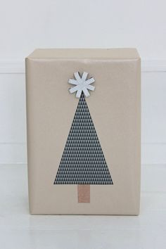 Simple Christmas Tree Wrapping