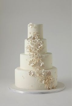 Beautiful wedding cake by Lulu NYC