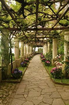Villa San Michele - Capri, Italy I would place the flowers in huge belly pots. Villa San Michele Capri, Great Places, Beautiful Places, Places To Travel, Places To Go, Outdoor Walkway, Paver Walkway, Dream Garden, Garden Path