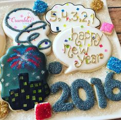 Happy New Year Cookie Frosting, Royal Icing Cookies, Cupcake Cookies, Cupcakes, Christmas Cookie Icing, No Bake Sugar Cookies, New Years Cookies, New Year's Cake, Nouvel An