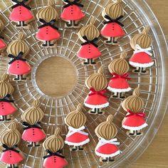 * 玉ねぎ頭はミィでした♡ 思いがけない休みで作れてよかった♪ * * #アイシングクッキー#アイシング#クッキー #手作り#おやつ#北欧#暮らし #icingcookie#icingcookies#아이싱쿠키 #ミー#ミィ#リトルミィ#littlemy#미이 #ムーミン#Moomin#무민#크리스마스 #visitfinlandjp #クリスマス#サンタクロース#xmas#Christmas