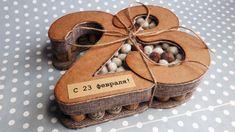 Заливаем мандарины жидким тестом и выпекаем обалденный десерт 5 Min Crafts, Diy And Crafts, Cardboard Crafts, Paper Crafts, Flower Box Gift, Wedding Gift Wrapping, Candy Flowers, Candy Crafts, 50th Birthday Party