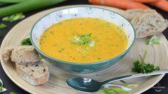 Suppe ist ein Wintergericht? Ganz und gar nicht! Diese Karottensuppe acht auch im Sommer eine super Figur! Frisch, leicht und lecker.