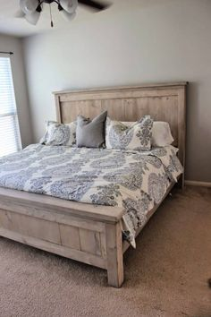 Learn how to make a bed with headboard using Free Plan at home at low budget. All steps instructions explained so you can easily DIY your own bed. Diy King Bed Frame, Bed Frame And Headboard, Queen Bed Frames, Making A Bed Frame, Headboards For Beds Diy, Diy King Headboard, Fabric Headboards, Upholstered Headboards, Diy Home Decor Bedroom