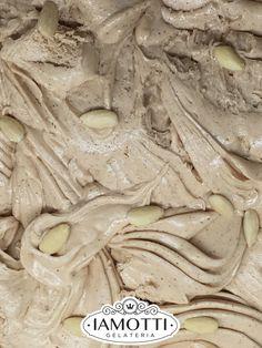 Pesto di Mandorle, uno dei 36 gusti disponibili da Iamotti. Non hai ancora assaggiato uno dei nostri gelati? Rimedia subito. Vieni a trovarci in via Trionfale 122 - Roma.  #gelato #gelatoartigianale #gelatoitaliano #icecream #italianicecream #gelateriaiamotti #dessert #dessertporn #food #foodporn