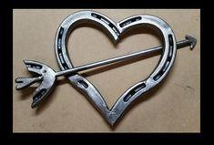 Horseshoe Art Hearts #Horseshoecraftsideas
