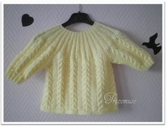 Tricot et compagnie: Tricot bébé                                                                                                                                                     Plus Baby Knitting Patterns, Knitting Stitches, Baby Patterns, Baby Jumper, Baby Sweaters, Baby Dress, Knit Crochet, Couture, Pullover