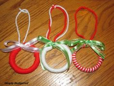 Homemade Wreath Ornaments (using a shower curtain ring!) A Great Kids craft. Kids Christmas Ornaments, Winter Christmas, Christmas Time, Christmas Crafts, Christmas Ideas, Homemade Wreaths, Homemade Ornaments, Homemade Christmas, Fun Crafts
