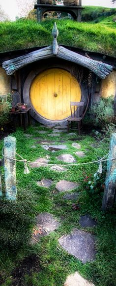 Hobbiton, New Zealand / 20 Landscape Photos Cropped for Pinterest / The Shire.