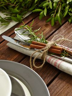 Fresh herbs and spices add to the rustic nature feel of Vanessa's nordic Christmas table. MyCANVAS