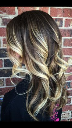 Dark rooted balayage with blonde
