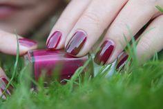 Fleur De Force: Essie Bahama Mama nail polish