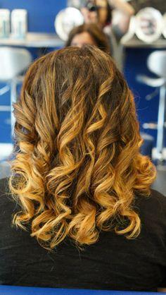 #hairbychristineandco #hairbychristine #ombre #balayage #paintedhair #paintedhighlights #wella #freelights #blondor #sunkissedhair #somerville #somervillesalon #bostonhair #bostonstylist #aquage #ilovehair #runwayhair #fashionhair #romantichair #loosecurls #prettyhair #gorgeoushair #beautyisinthehair #modernsalon #behindthechair #dimensionalcolor #naturalcolor #texture #loosecurls #romantichair #nofilter #naturalcolor #nothingbutpixies