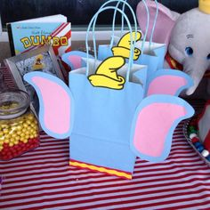 23 Trendy baby shower themes for boys disney movie nights 23 Trendy baby shower themes for boys disney movie nights Dumbo Birthday Party, Circus Birthday, Baby First Birthday, 1st Birthday Parties, 1st Birthdays, Birthday Ideas, Dumbo Baby Shower, Baby Dumbo, Boy Baby Shower Themes