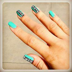 Blue etnic nails design