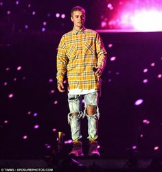 'I'm a little hungover, I'm not gonna lie': Justin told the crowd that he was…