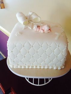 Angel cake twin baby shower cake - Decoration gateau bapteme fille ...