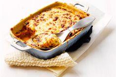 Mehevä kesäkurpitsalasagne   valio.fi Vegetarian Recipes, Cooking Recipes, Macaroni And Cheese, Recipies, Good Food, Food And Drink, Pasta, Dishes, Baking