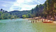Playa de Bolarque: una paradisíaca cala de aguas verdes en el corazón de La Mancha