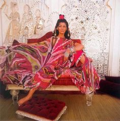 It was the 1960s and Emilio Pucci was the man to lead the fashion industry with his Psychedelic creations,designs, and patterns which still have an influence today. In the 60s his clothes were light and highly sought after and you could pack up with a lot of clothing in a small suitcase on your trip to the Côte d'Azur