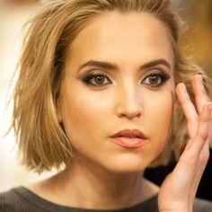 60 Ana Fernandez Ideen Stumpfe Bob Frisuren Haarschönheit Spanische Haare