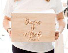 Rustykalne, minimalistyczne pudełko na ślubne kartki i koperty <3  Do kupienia w sklepie internetowym Madame Allure!