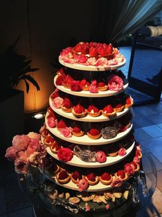 wedding cake alternatives : tart tower