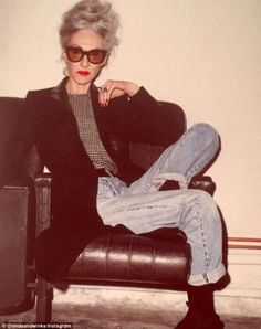 With an incredibly chic look, Linda has modeled in campaigns for Coach and Karen Walker